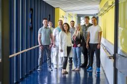 bayreuth kliniken bezirkskrankenhaus pfleger und besucher