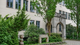 schulen bayreuth graf muenster gymnasium gmg aussenansicht 3