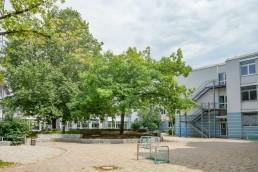schulen bayreuth gymnasium christian ernestinum pausenhof 2