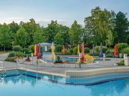 bayreuth baeder therme kreuzsteinbad aussenansicht
