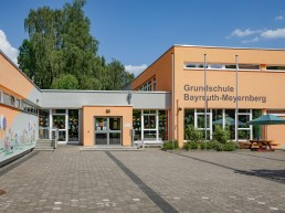 schulen bayreuth meyernberg Eingang