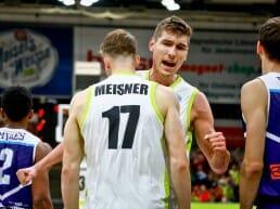 Andi Seiferth und Lukas Meisner durften mit ihrem Team den ersten BBL-Sieg feiern.