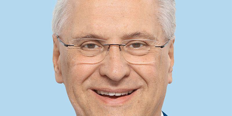 Corona Bayern: Bayerns Innenminister erinnert Reiserückkehrer an Testpflicht