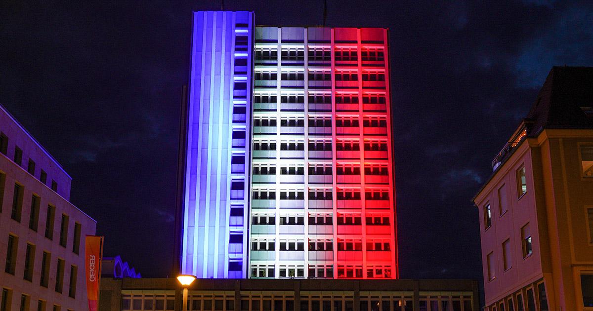 Lokalnachrichten: Illumination des Neues Rathaus