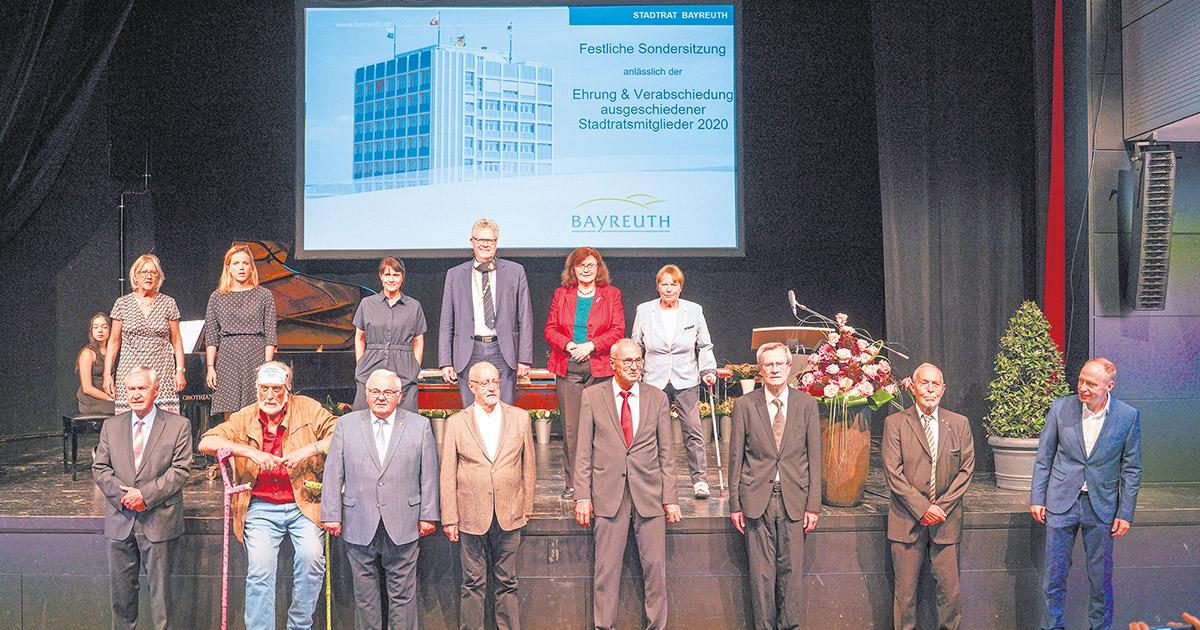 Lokalnachrichten: Stadtratsmitglieder verabschiedet